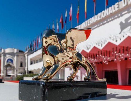 Venezia 78: 5 film italiani in concorso tra sfilate e vip