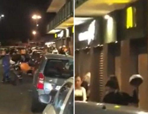 Napoli, rider picchiato a sangue, è il secondo: in manette due minorenni (Video)