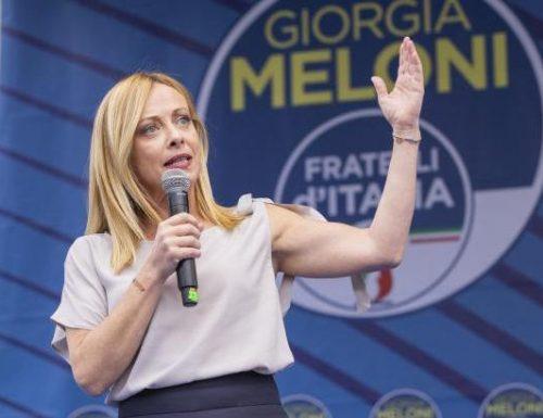 """Giorgia Meloni non le manda a dire: """"Io fieramente di destra. Il fascismo? Ne sono distante, per la sinistra è la coperta di Linus"""""""
