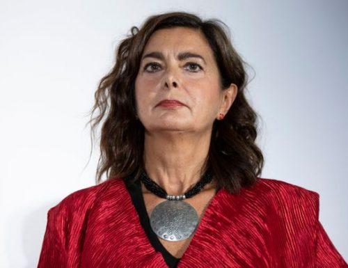 """La divina Boldrini si sostituisce al popolo italiano: """"Via Salvini e Meloni"""". Possibilmente senza voto…"""