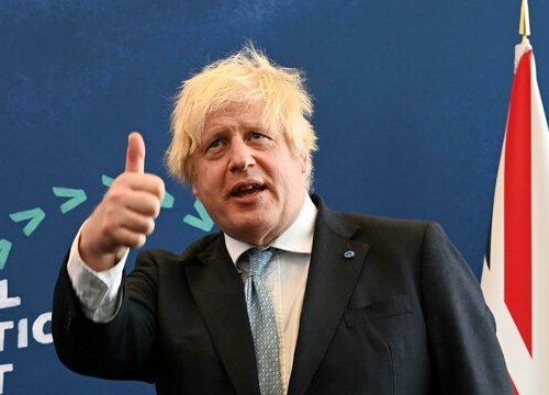 """In Gran Bretagna è caos contagi, si temono 100mila infetti al giorno. L'allarme dei medici: """"Governo negligente. Tiri fuori il 'piano B'"""""""