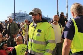 """Trieste, le  infiltrazioni di gruppi violenti fanno annullare  la manifestazione dei """"No green pass"""": meglio evitare tafferugli"""
