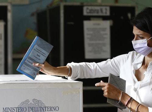 Exit poll,  fallimento M5S: i grillini non arrivano neanche ai ballottaggi. Raggi distrutta  da Calenda