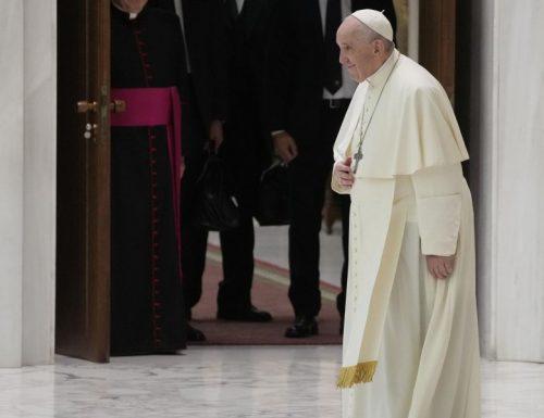 """2 novembre, Vaticano sorpresa: il Papa celebra al cimitero francese. L'associazione vittime marocchinate a valanga: """"Siamo esterrefatti"""""""
